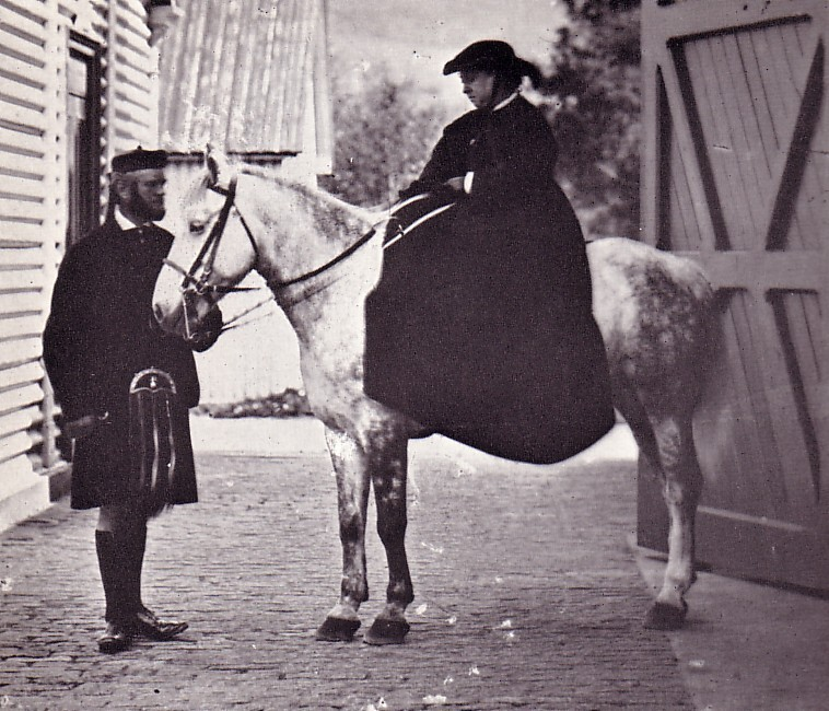photograph_of_john_brown_and_queen_victoria