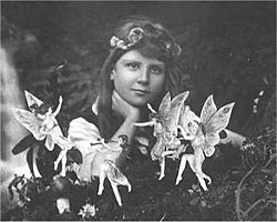 250px-Cottingley_Fairies_1