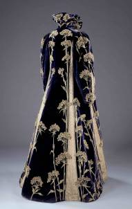 Coat, Marshall & Snelgrove Ltd, 1895 – 1900, England. Museum no. T.49-1962. © Victoria and Albert Museum, London