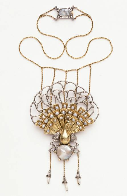 Necklace, designed by Charles Robert Ashbee, made by Guild of Handicraft Ltd., 1901 – 02, England. Museum no. M.23-1965. © Victoria and Albert Museum, London