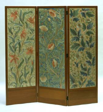 Screen, designed by John Henry Dearle, manufactured by Morris & Co., 1885 – 1910, England. Museum no. CIRC.848-1956. © Victoria and Albert Museum, London